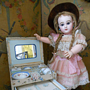 ~~~On HOLd for S. ~~~All Original Doll´s Toilette in Wonderful rare Presentation Box ~~~