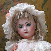 ~~~ Most Beautiful French Dolls Dress with Matching Bonnet ~~~