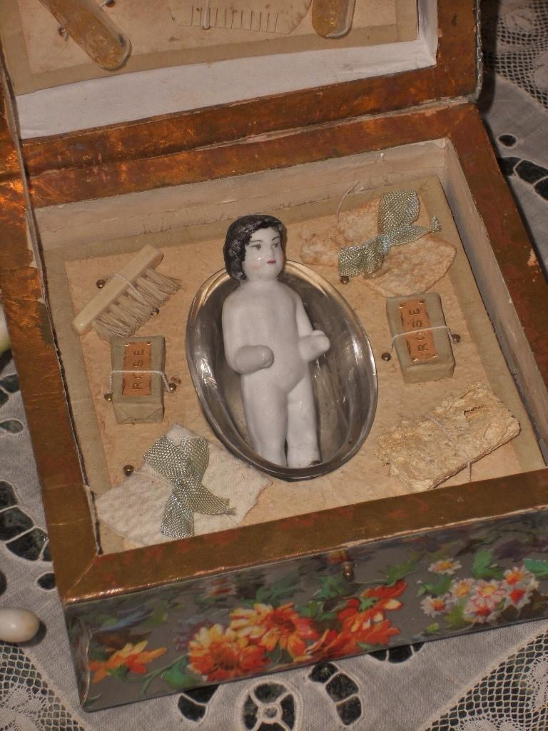 ~~~ Nice French Toilette Accessory Presentation Box ~~~