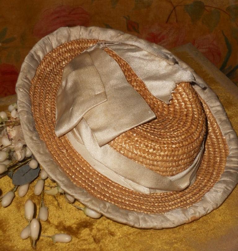 ~~~ Beautiful all Original Straw Bonnet with Silk Decoration ~~~