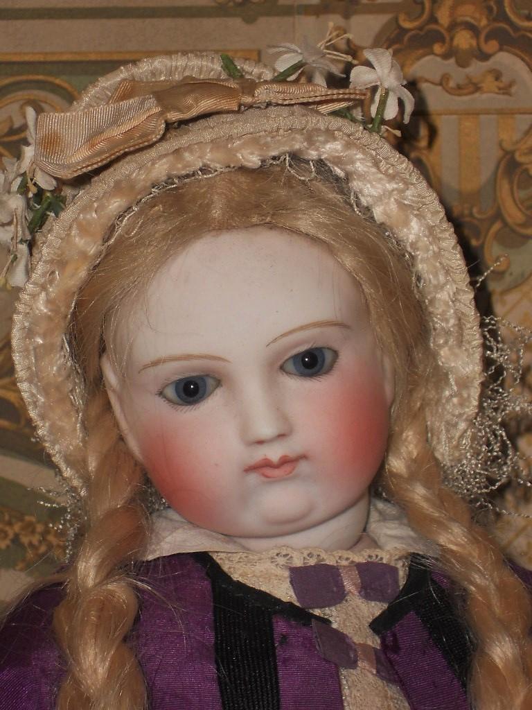 ~~~ Marvelous Early Silk Poupee Bonnet for Huret , Rohmer or similar Fashion Doll ~~~