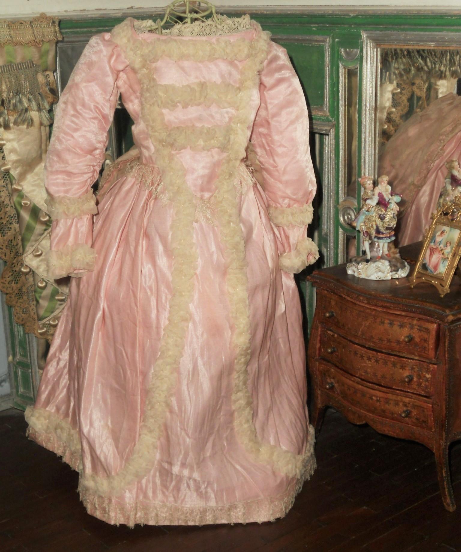 ~~~ Pretty Pink Antique Silk Satin Poupee Gown ~~~