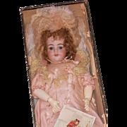 "~~~ Exceptional Original French Bebe in Presentation from "" Magazin des Enfants "" ~~~"
