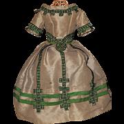 ~~~ Splendid Silk Poupee Gown circa 1860 for Huret , Rohmer , Barrois .... ~~~