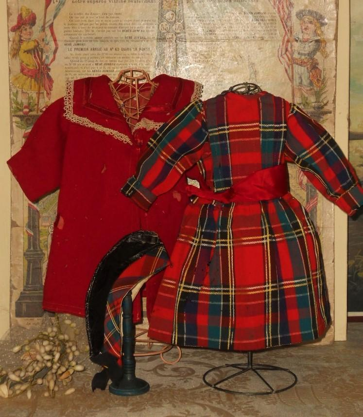 ~~~ House of Jumeau Factory original Bebe Costume from Attic Found / 1880 ~~~