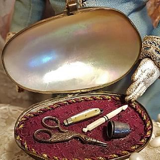 ~~~ Rare French Poupee Miniature Sewing Necessaire Shell Box ~~~