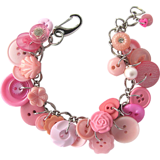 Pink Charm Bracelet of Vintage Buttons with Flower Buttons – Rhinestone Buttons – Unique Shapes