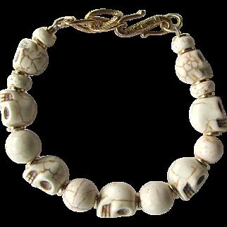 Skull Bracelet of Off-White Howlite Skulls and Magnesite Beads