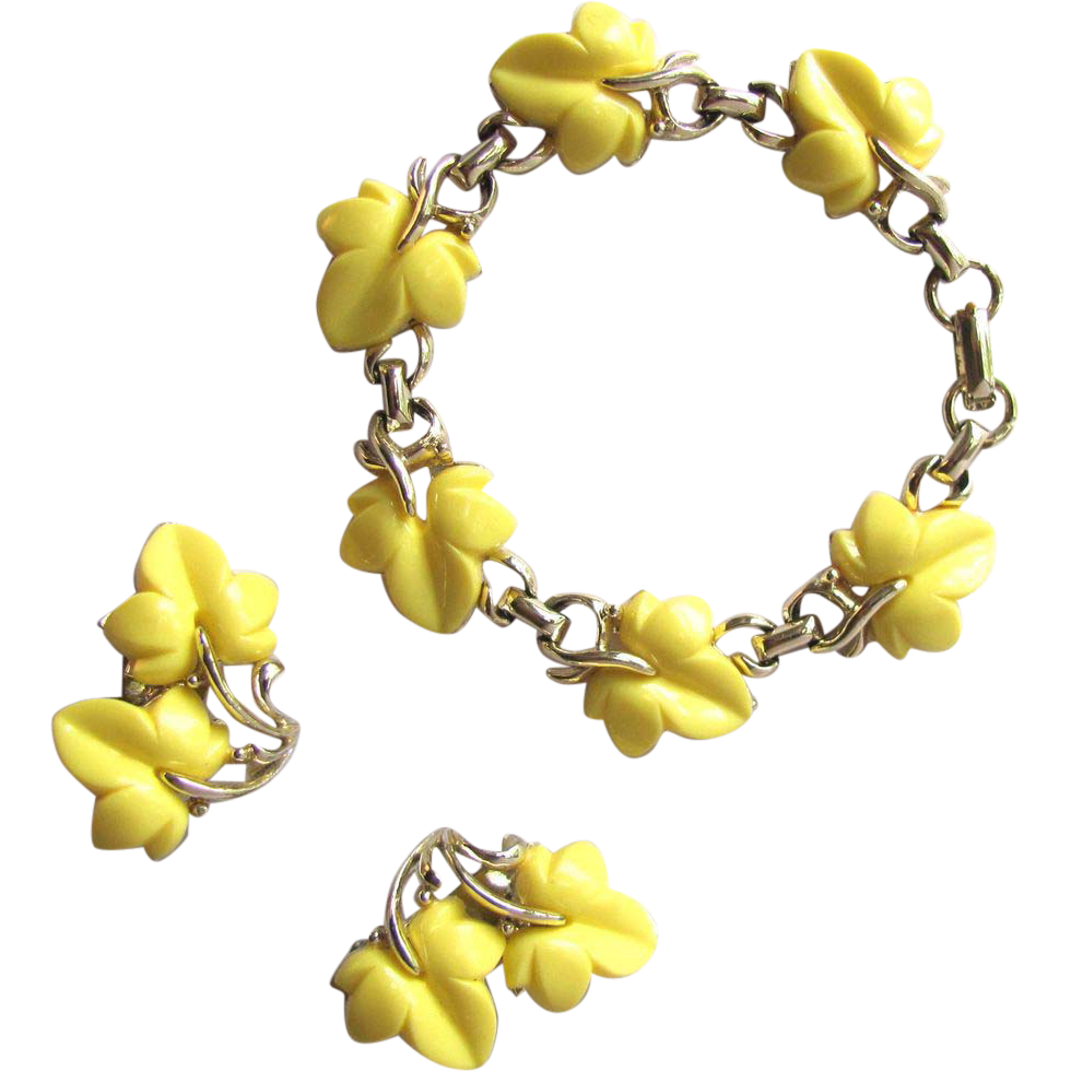 Vintage 1950s Bracelet and Earrings with Yellow Leaf Design in Thermoplastic