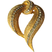 Vintage 1950s Brooch of Stylized Golden Feathers Embedded with Rhinestones