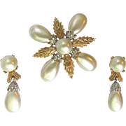 Vintage Brooch with Large Faux Pearls – Rhinestone Accents – Matching Earrings – Crown Trifari