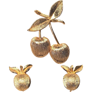 Vintage Sarah Coventry Gold Cherries Pin Satin Gold Metal
