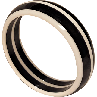 Vintage Black and White Layer Lucite Bangle Bracelet