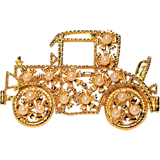 Vintage Car Pin With Faux Pearls and Rumble Seat