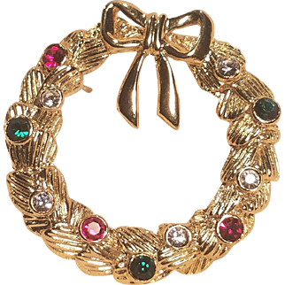 Vintage Christmas Wreath Pin With Colored Rhinestones and Bow