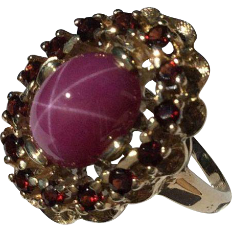 14k Star Ruby and Garnet Ring-Size 6 1/2.