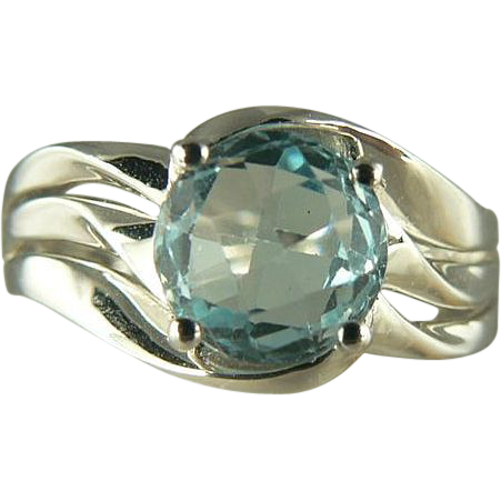 Natural Blue Aquamarine Ring in 18k~Size 7.