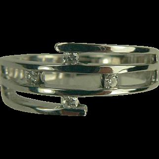 18k White Gold Diamond Ring-Size 7 3/4.