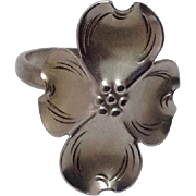 c1970 Vintage Hand Wrought Dogwood Blossom Ring by Stuart Nye Sterling Silver circa 1970's