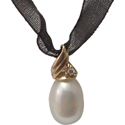 Vintage 14K Gold Diamond & 8mm Fresh Water Pearl Pendant