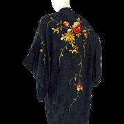 Vintage 1920s Floral Embroidered Silk Kimono Flapper Jacket Robe Lounge Piano Shawl