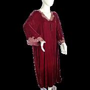 Stunning Vintage VALENTINO Wine Red Velvet Caftan Robe Size LARGE