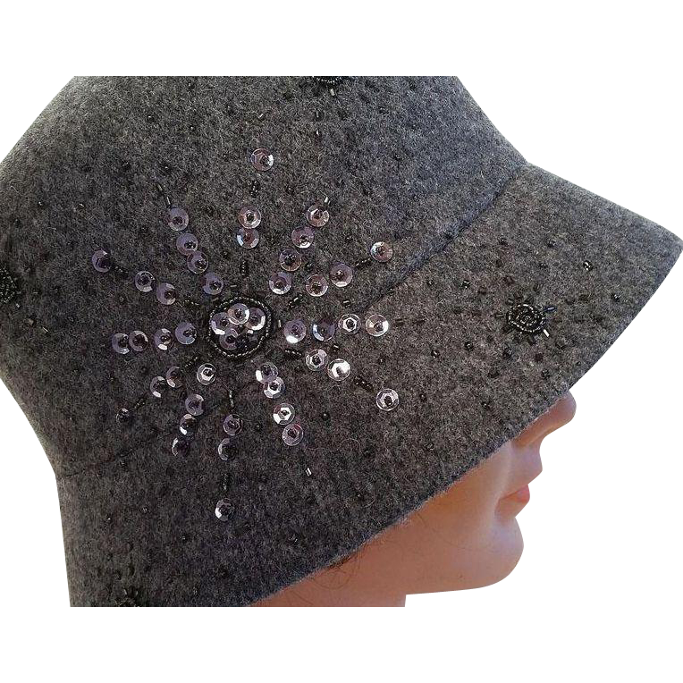 Vintage Croft & Barrow Women's Gray Beaded  Cloche