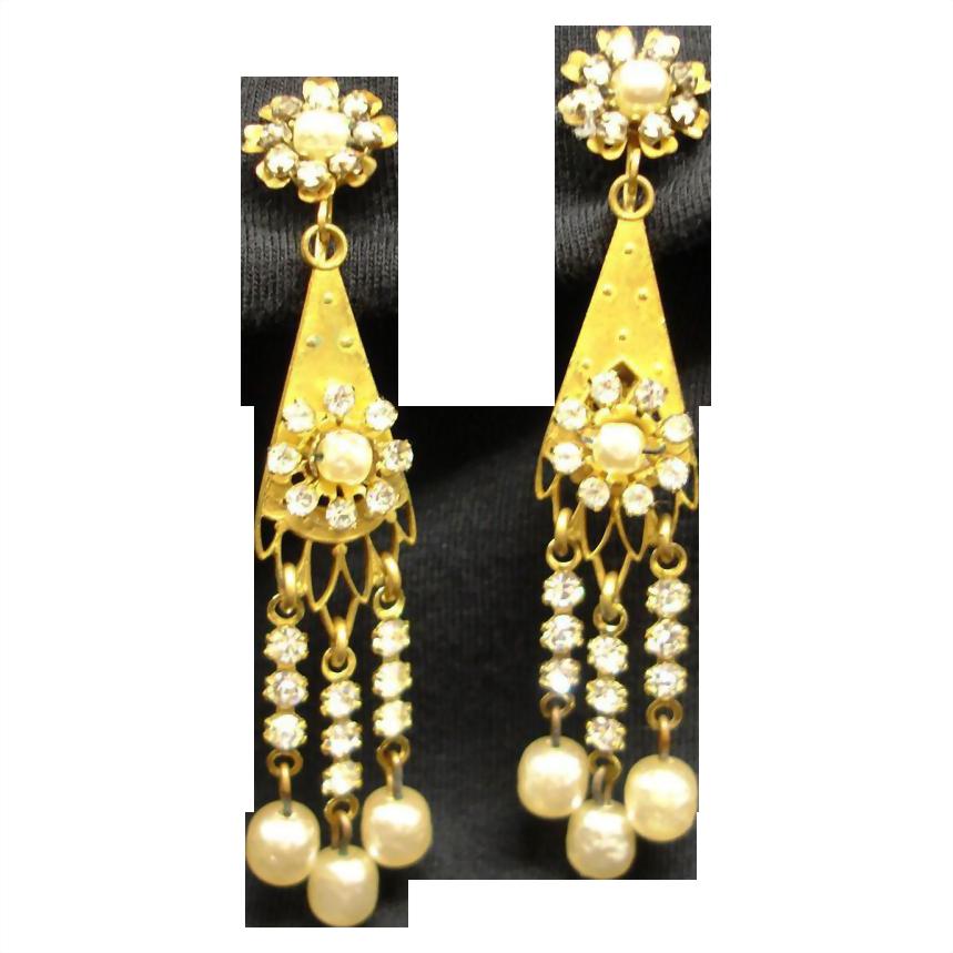 MIRIAM  HASKELL Baroque Pearl Drop Dangle Earrings - Vintage Miriam Haskell Baroque Glass Pearl Jewelry