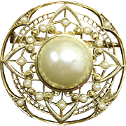 Vintage Pin - Faux Pearl and Gold Tone Circle Pin / Brooch