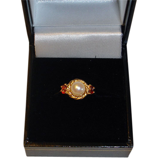 Vintage Pearl and Garnet Ring Yellow Gold Ring