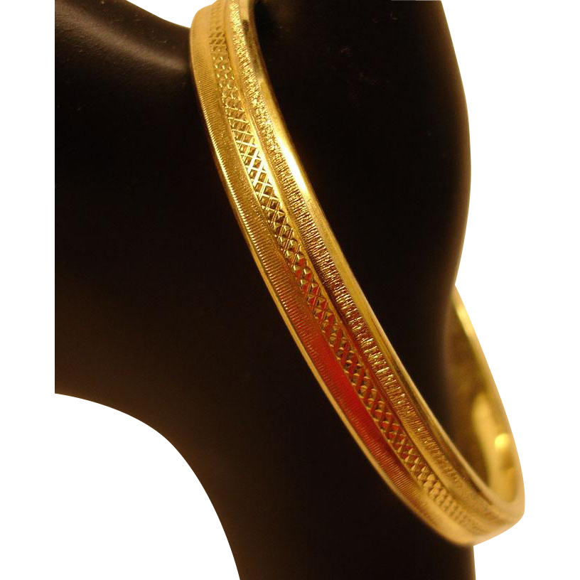 Vintage Gold Tone Textured Bangle Bracelet