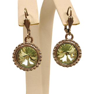 Light Green Rivoli Rhinestone – Estate Pierced Earrings