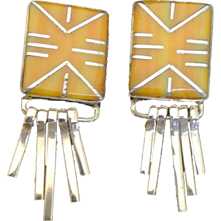 Vintage Zuni Spiney  - Spiny Oyster and Sterling Silver Pierced Earrings