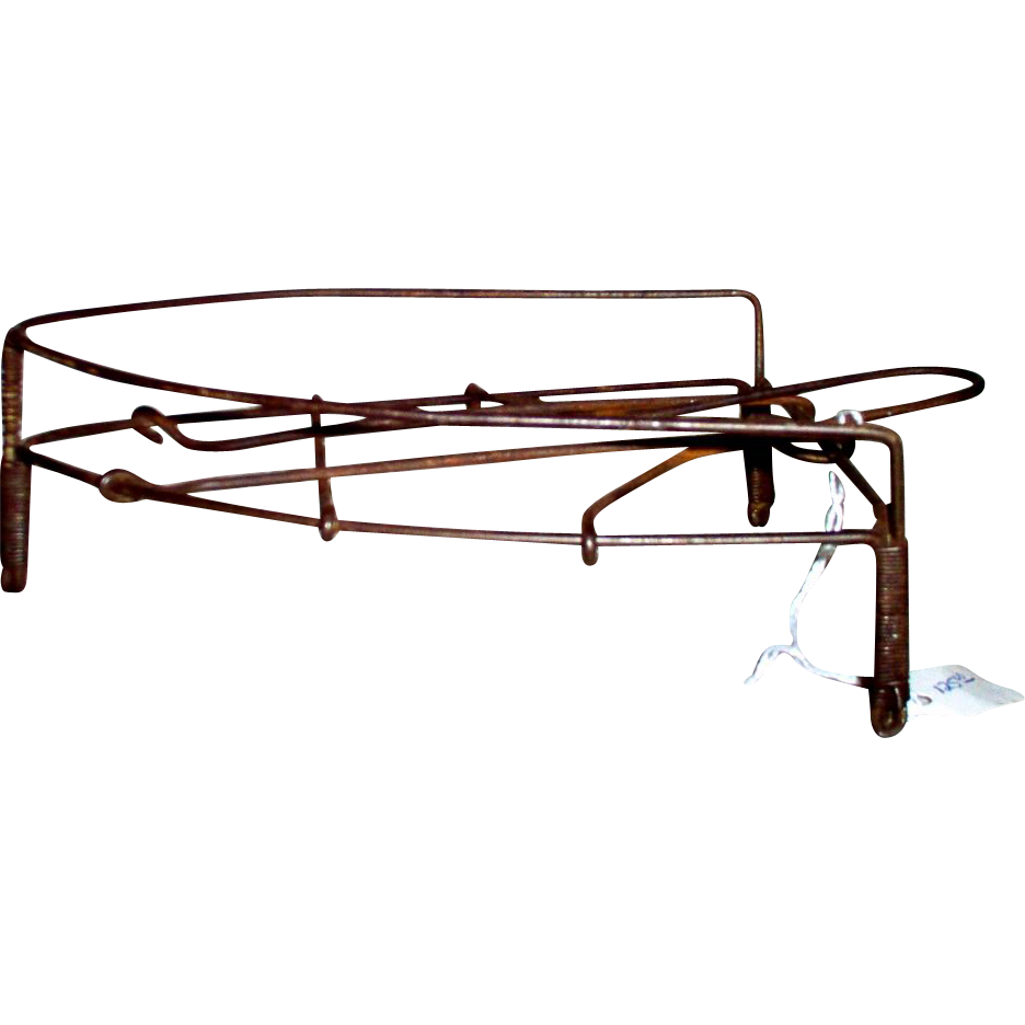 Early Wire Iron Trivet