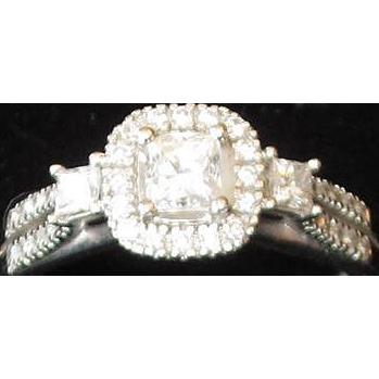 Beautiful 10K White Gold and Diamond Lady's Ring
