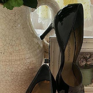 Classic YVES SAINT LAURENT Black Patent Leather Heels