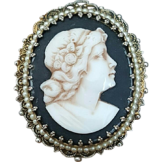 Lovely Grecian Lady Cameo Brooch Pendant