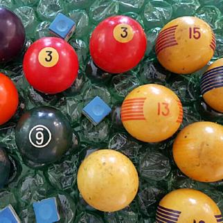 Vintage Collectible Pool Balls & Stuff