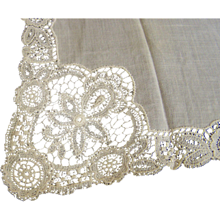Handkerchief Lace Edge Cream