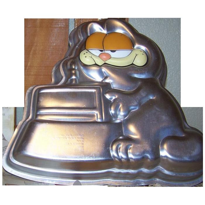 Garfield Face Cake Pan