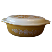 Pyrex Gold Butterfly Casserole Bowl with Glass Lid