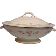 Homer Laughlin Covered Bowl Eggshell Georgian
