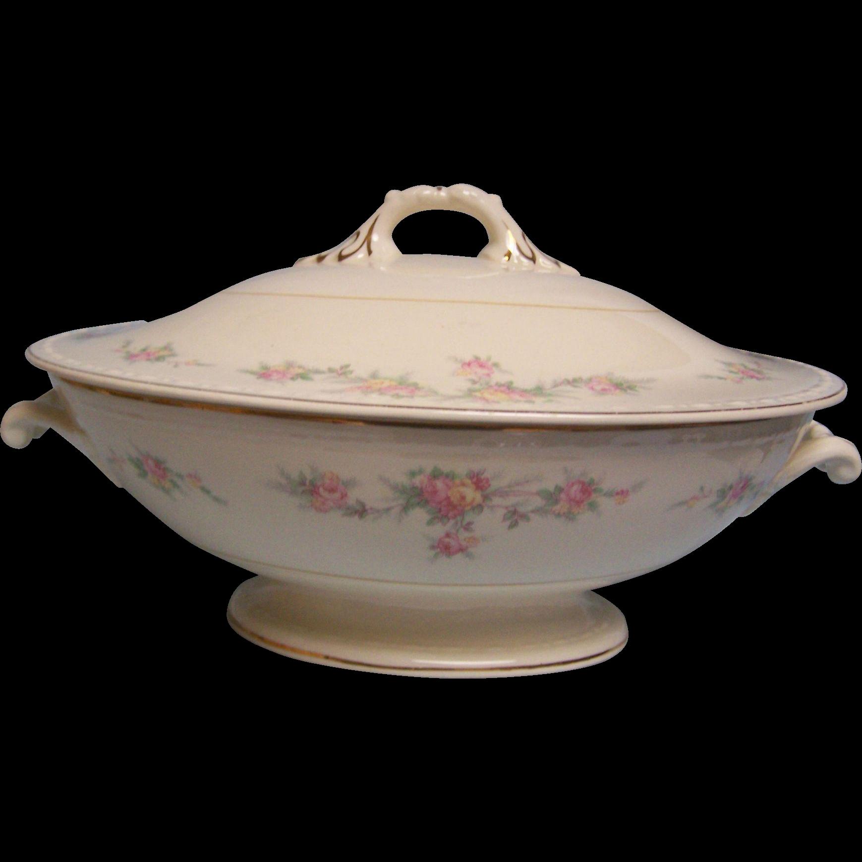 Homer Laughlin Covered Bowl Eggshell Georgian