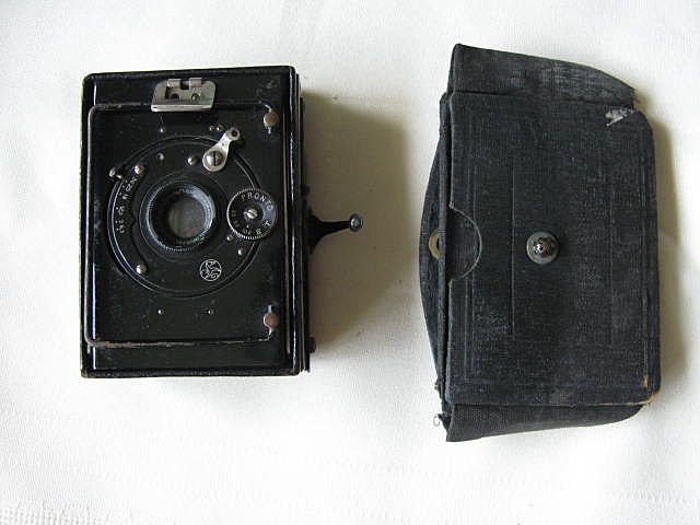 Contessa Duchessa Pocket Strut Camera c1915