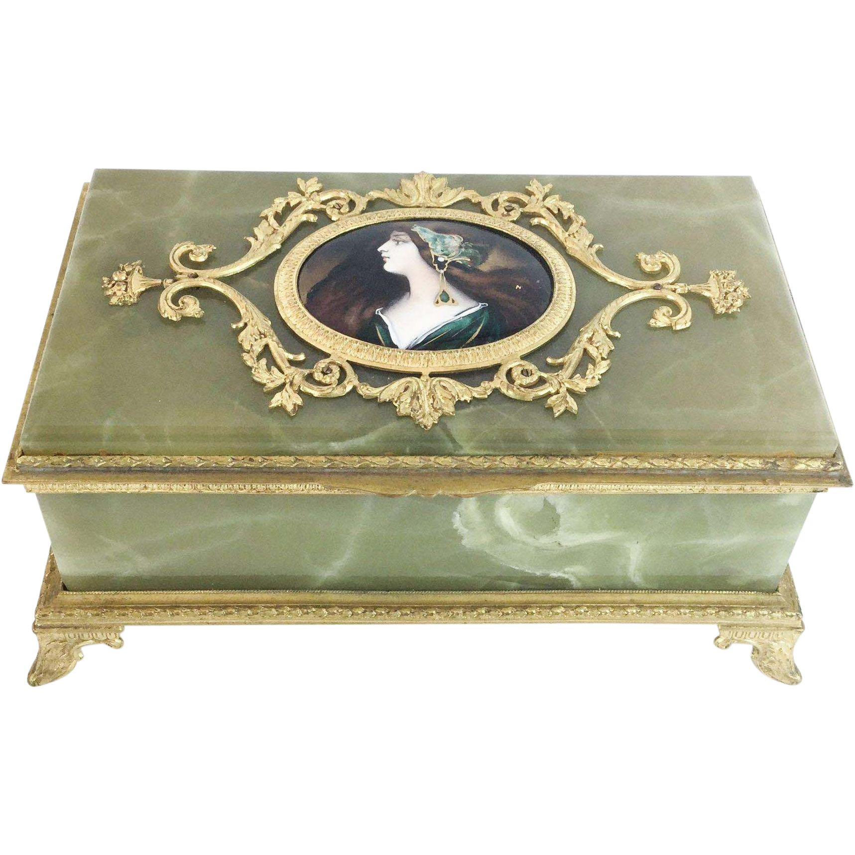 "LAYAWAY Antique Green Onyx Jewelry Box "" Three  Portraits """