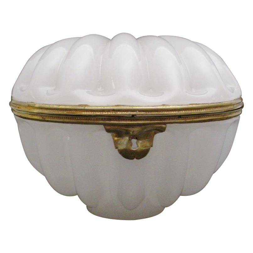 "Stunning Antique French White Opaline ""Shell Shape"" Casket Hinged Box"