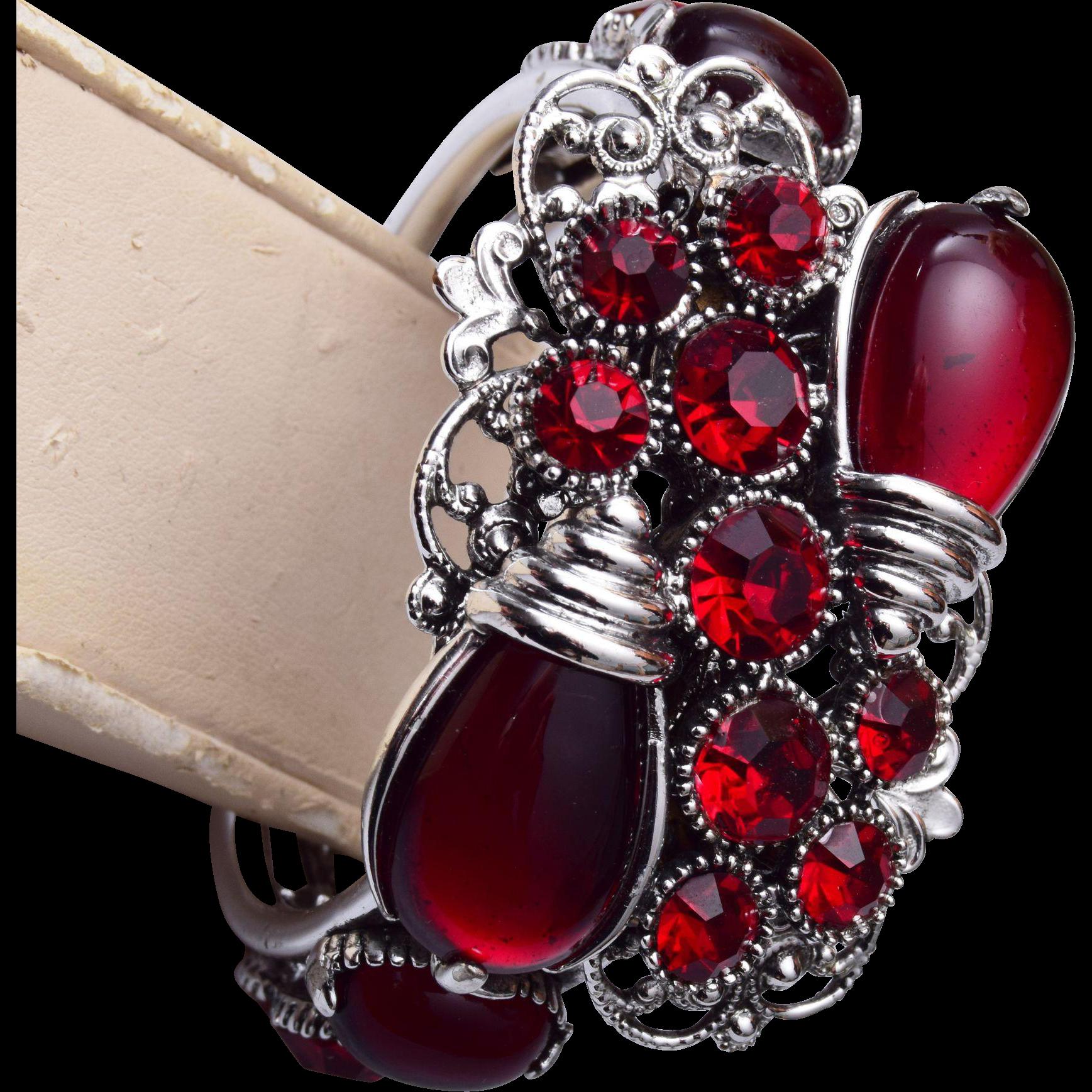 Selro Hinged Red Rhinestone Bracelet
