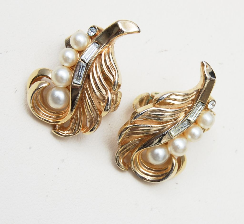 Trifari Pre 1955 Rhinestone and Faux Pearl Feather Earrings
