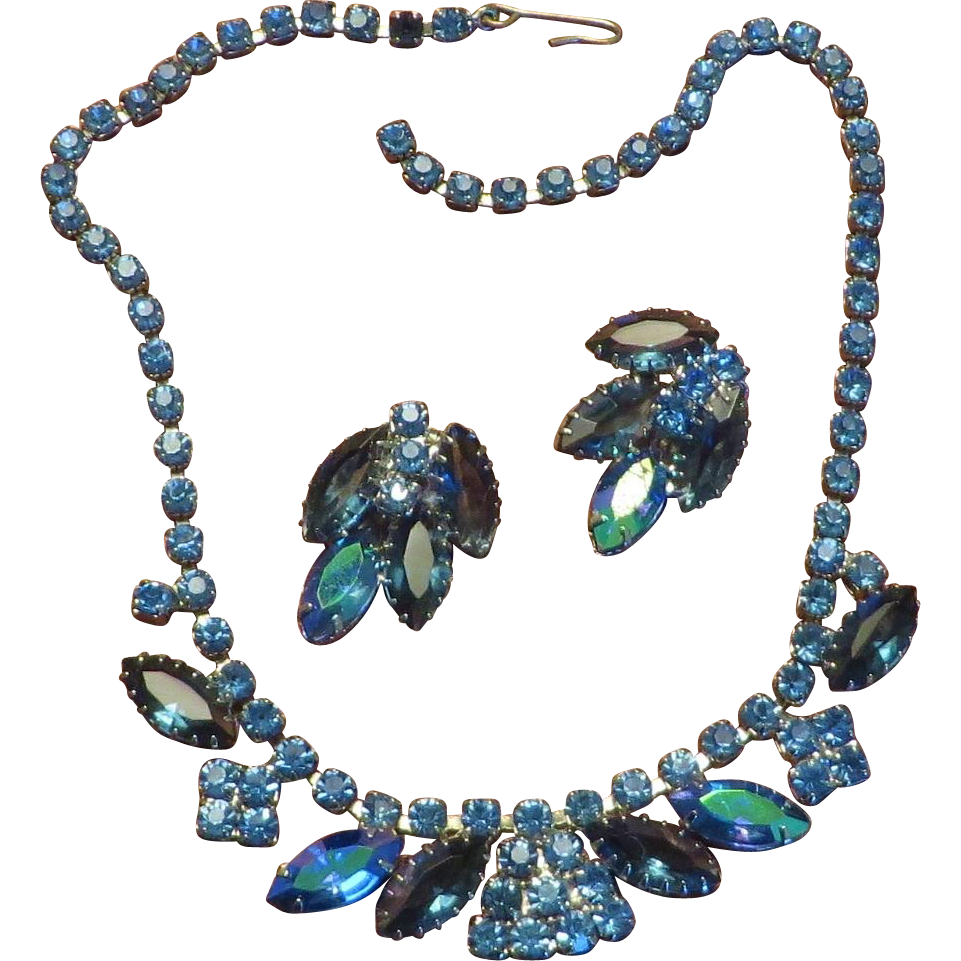 Pretty Blue Necklace Earrings Set