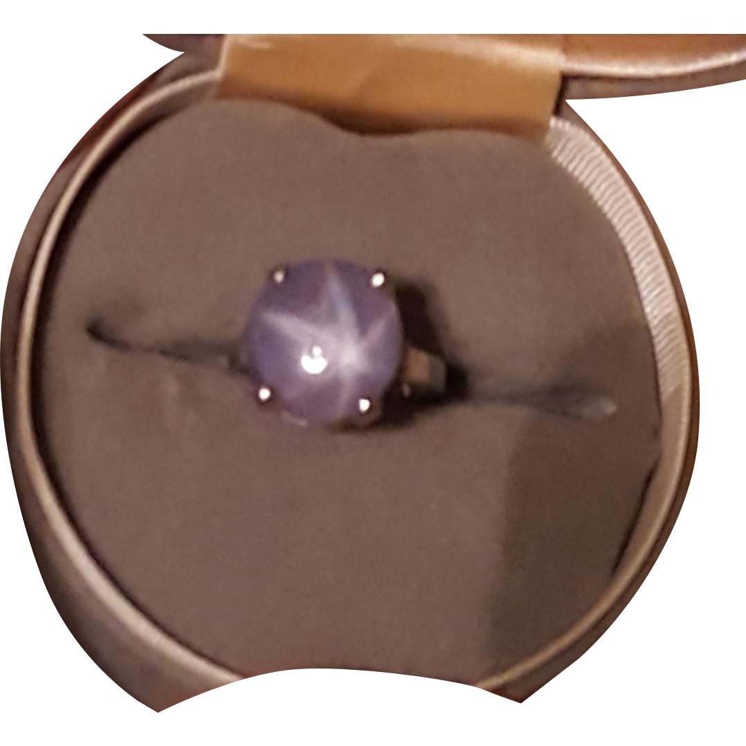 Star Sapphire and 14kt Gold Size 7 Ring